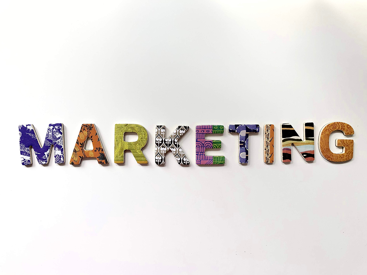 Pros and cons of Radio and Digital Marketing
